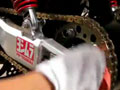 清洗大排量摩托车街车的链条 (552播放)