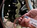 大排量摩托车街车的卡钳保养喷漆变身 (819播放)