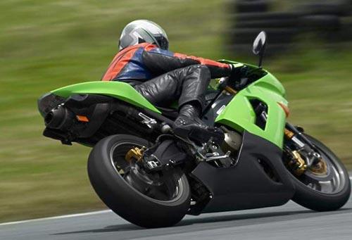摩托车换挡技巧