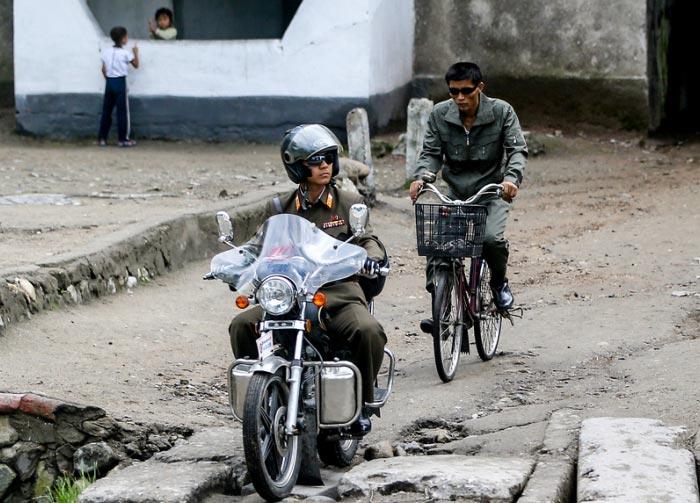 朝鲜禁摩只有一种人可以骑摩托车